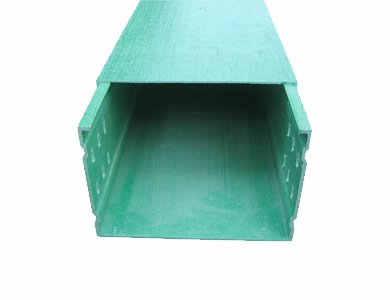 A green FRP channel type cable tray with a cover on top protects cables inside and the holes on both rails provide ventilation for cables